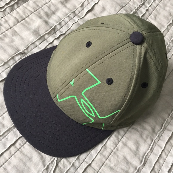 994cb2bea12 Youth under armour hat lowest price. M 5b9d51a91b3294a9307e9414
